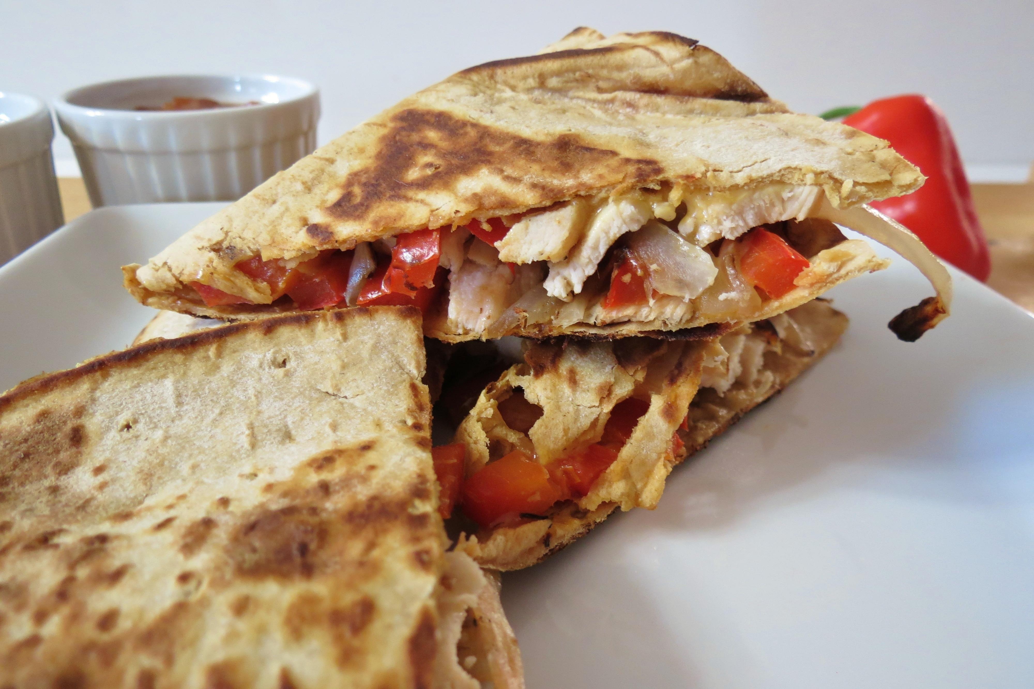 chicken fajita quesadilla nutrition information serves 1 quesadilla ...
