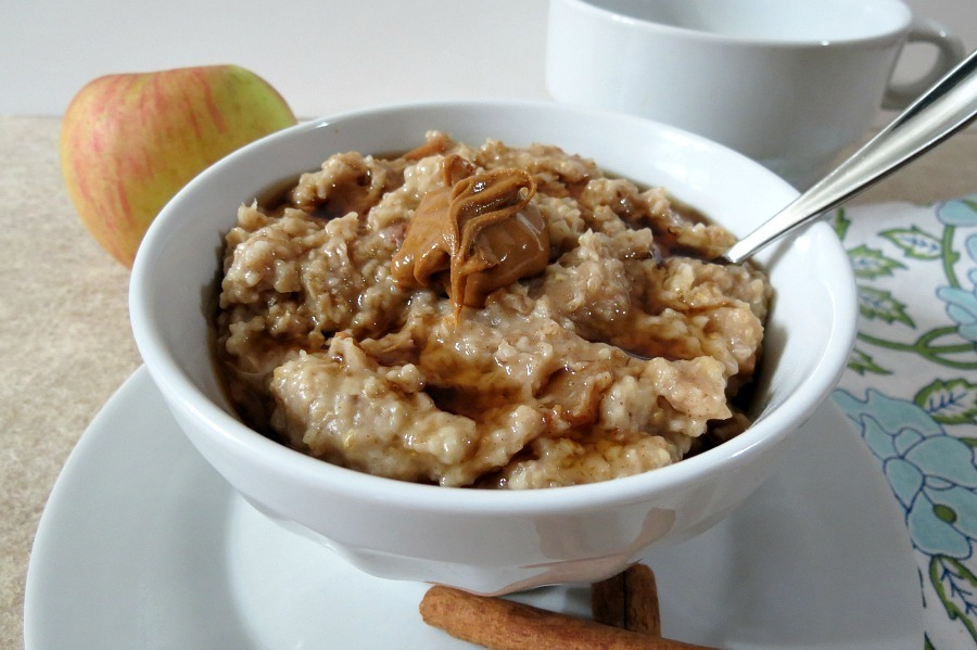 Apple and Cinnamon Steel Cut Oats in Crockpot