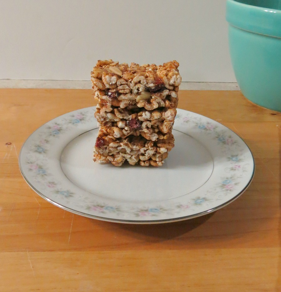 Cinnamon and Almond Puffed Wheat Bars 032aa