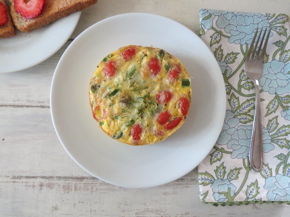 Baked Eggs, Ham & Asparagus In Tomato Cups Recipe — Dishmaps