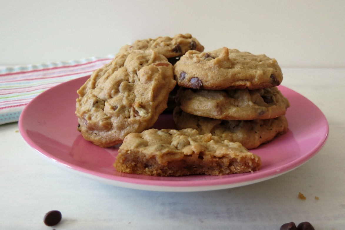 Peanut Butter Chocolate Chip Pretzel Cookies