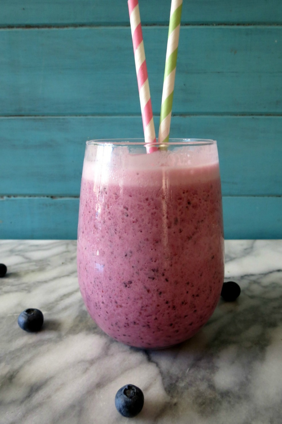 Blueberry Peach Breakfast Smoothie