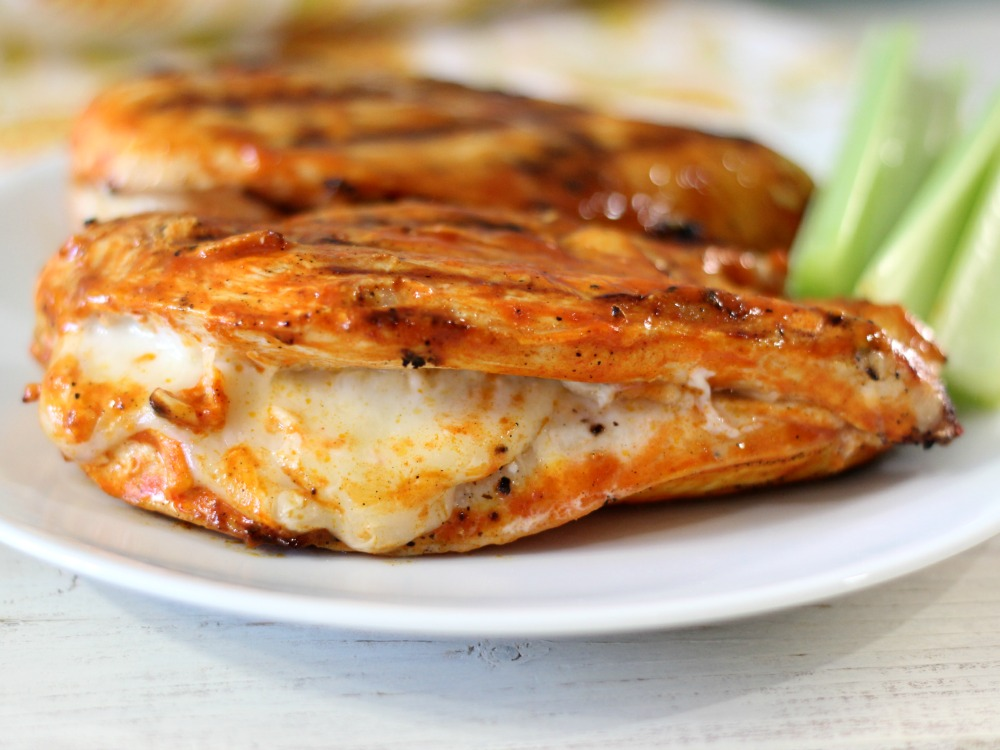 Grilled cheesy buffalo chicken for Buffalo chicken sandwich recipe grilled