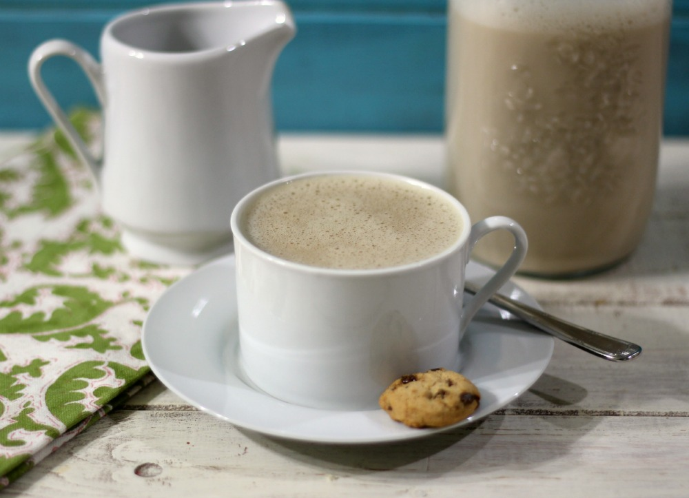 Non-Dairy Vanilla Coffee Creamer 016a