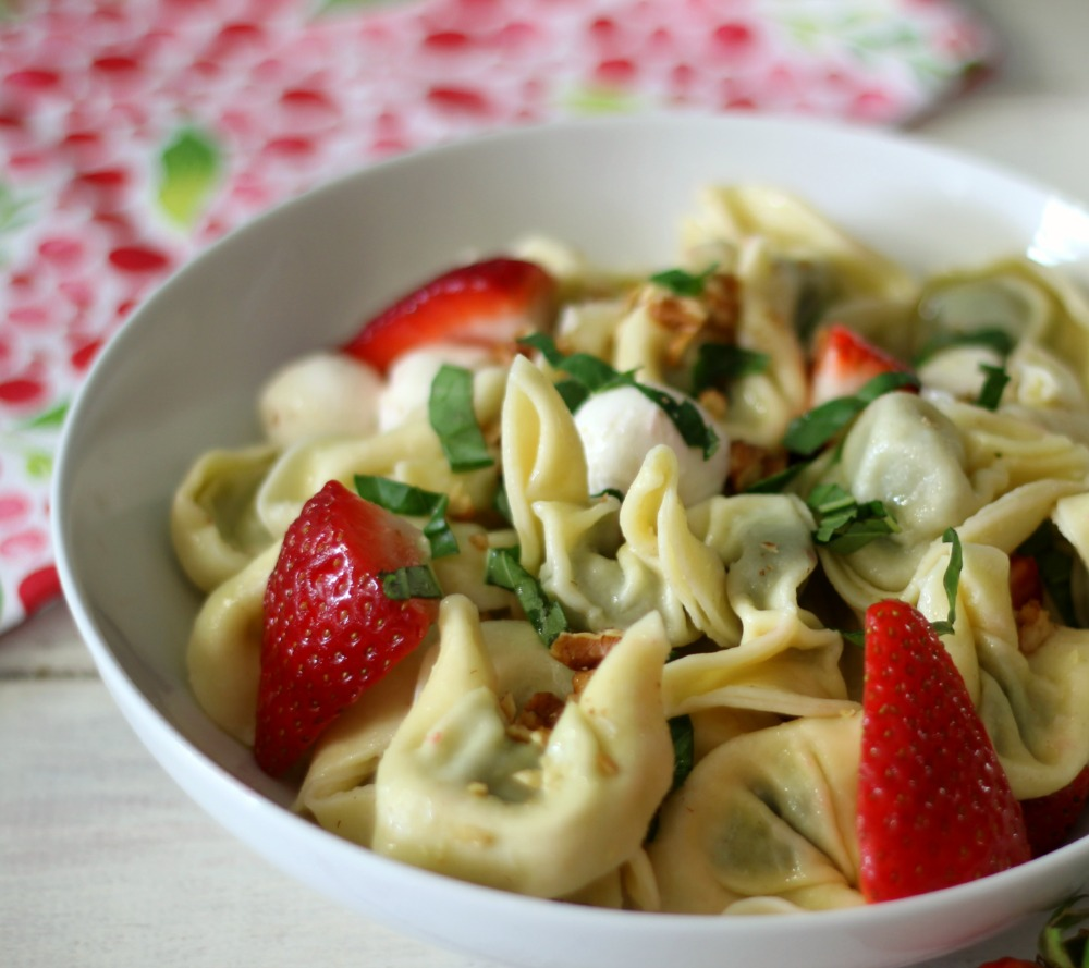 Strawberry Basil Pasta Salad #SundaySupper #ChooseDreams