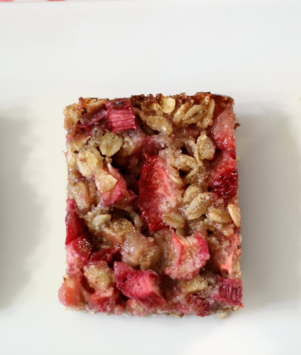 Strawberry Rhubarb Crisp Bars (vegan, gluten-free)