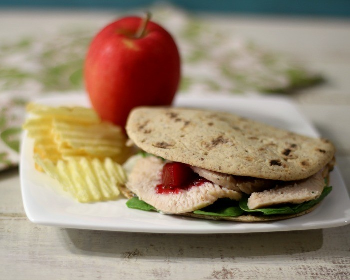 Turkey Cranberry Flatbread #SundaySupper