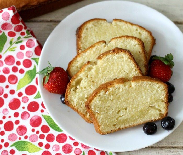 Vanilla Pound Cake with Fresh Berries #SundaySupper
