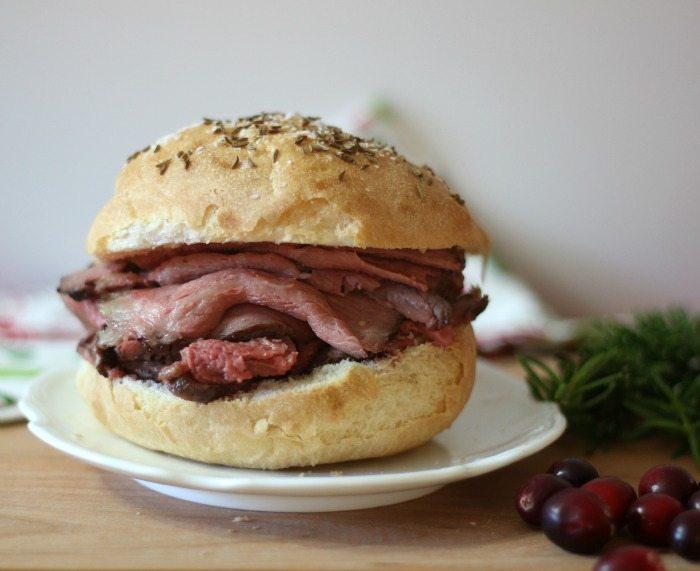 Roast Beef on Kimmelweck Rolls